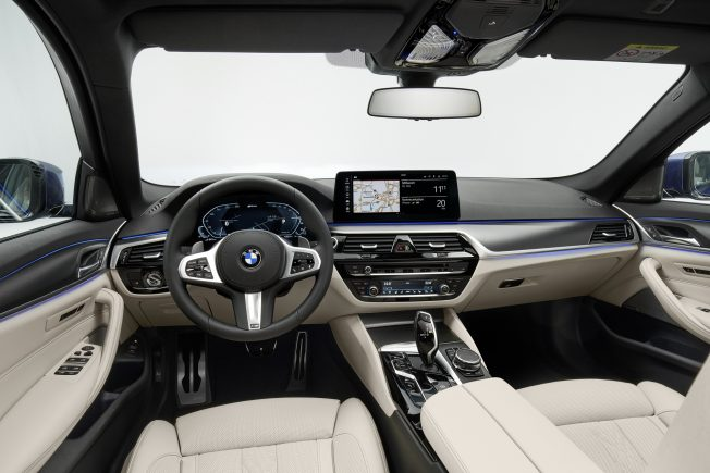 2021-BMW-5-Series-Interior