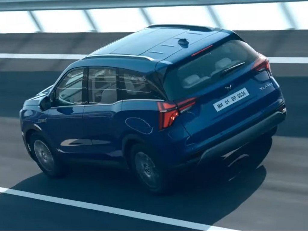 Mahindra-XUV700-Rear