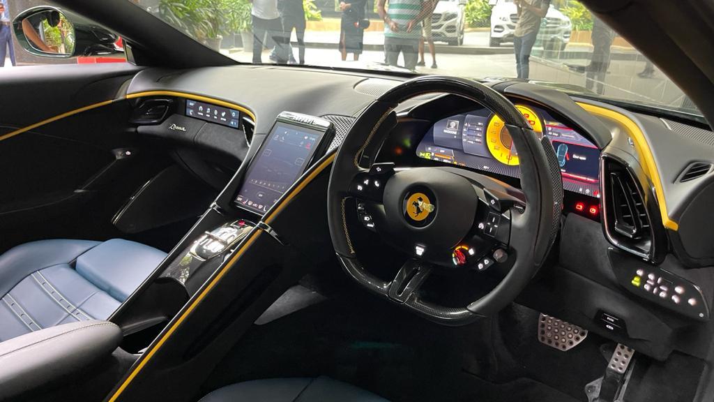 2022-Ferrari-Roma-Interior