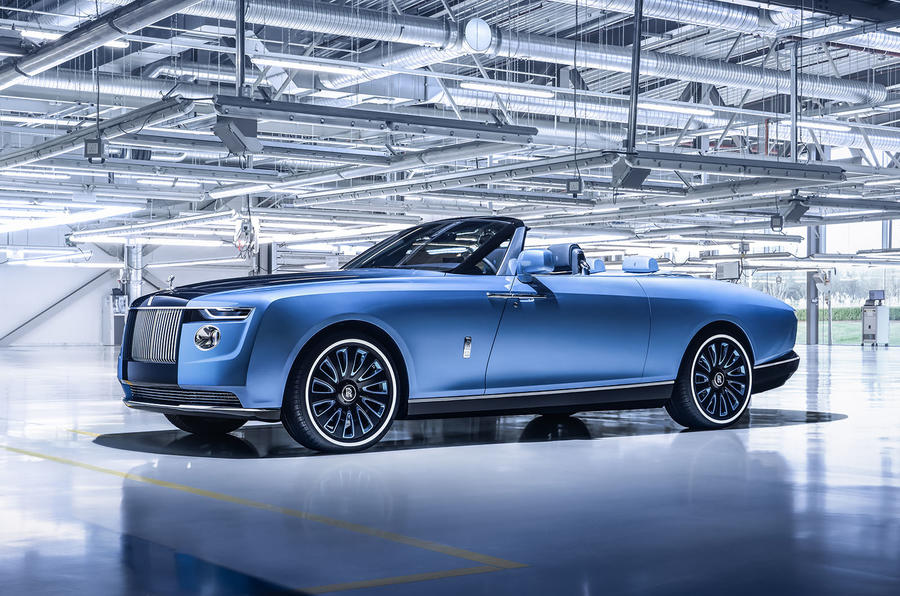 rolls-royce-boat-tail-2021-official-reveal-studio-front