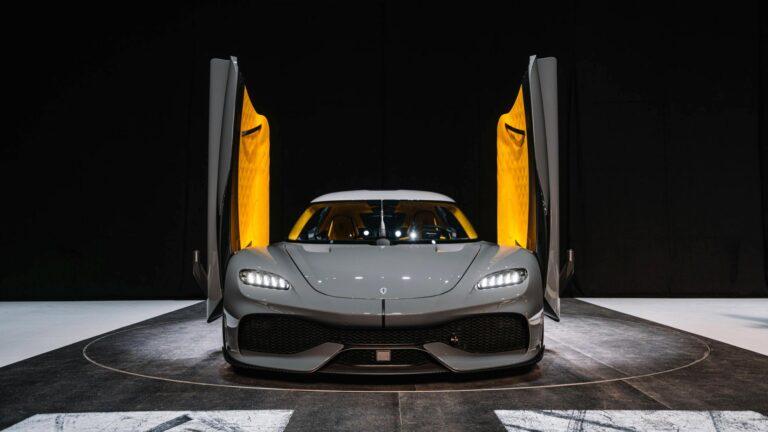 Koenigsegg Gemera is a 1700 HP Mega GT car.