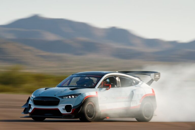Ford Mustang Mach E 1400: 1400HP All-electric crossover