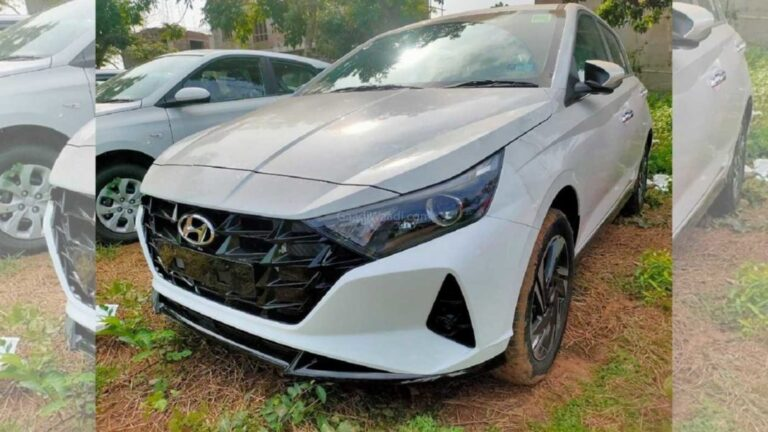 2020 Hyundai i20 Spotted At Dealerships before launch